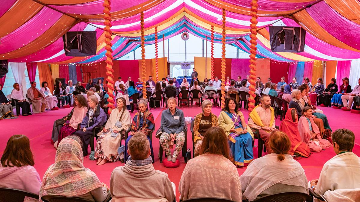om-chanting-international-days-2019-bhakti-marga-the-ashram