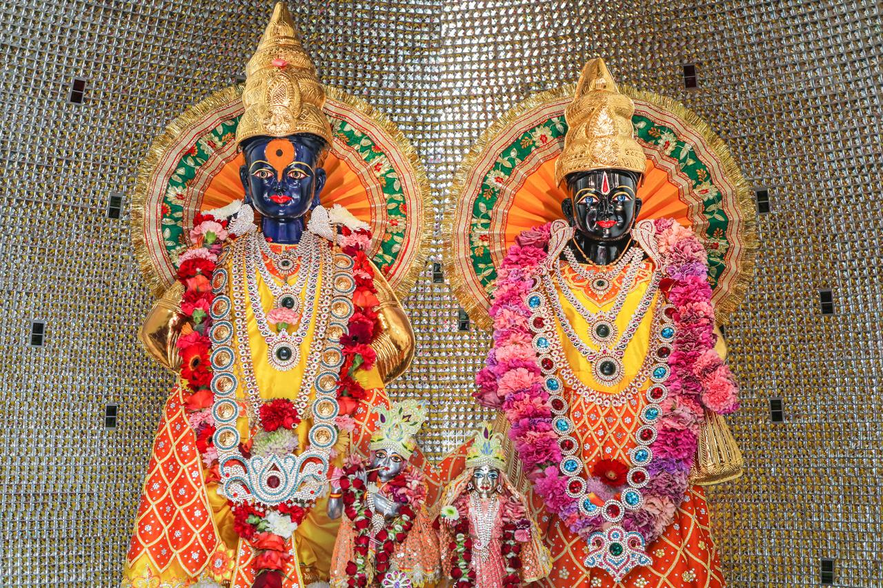 Panduranga and Rukmini - Shree Peetha Nilaya